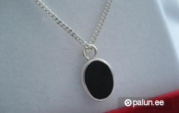 Продаю-Ювелирные изделия-Ожерелья, кулоны